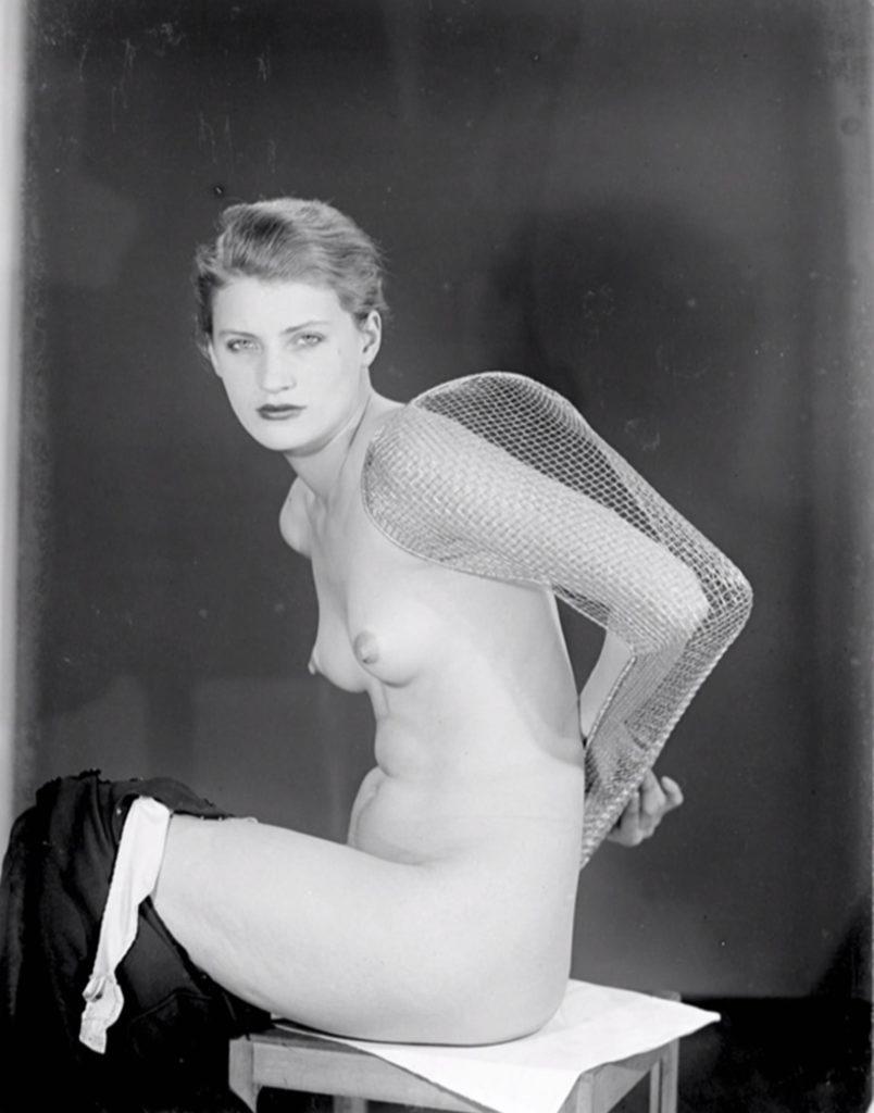 Lee Miller en 1930 par Man Ray