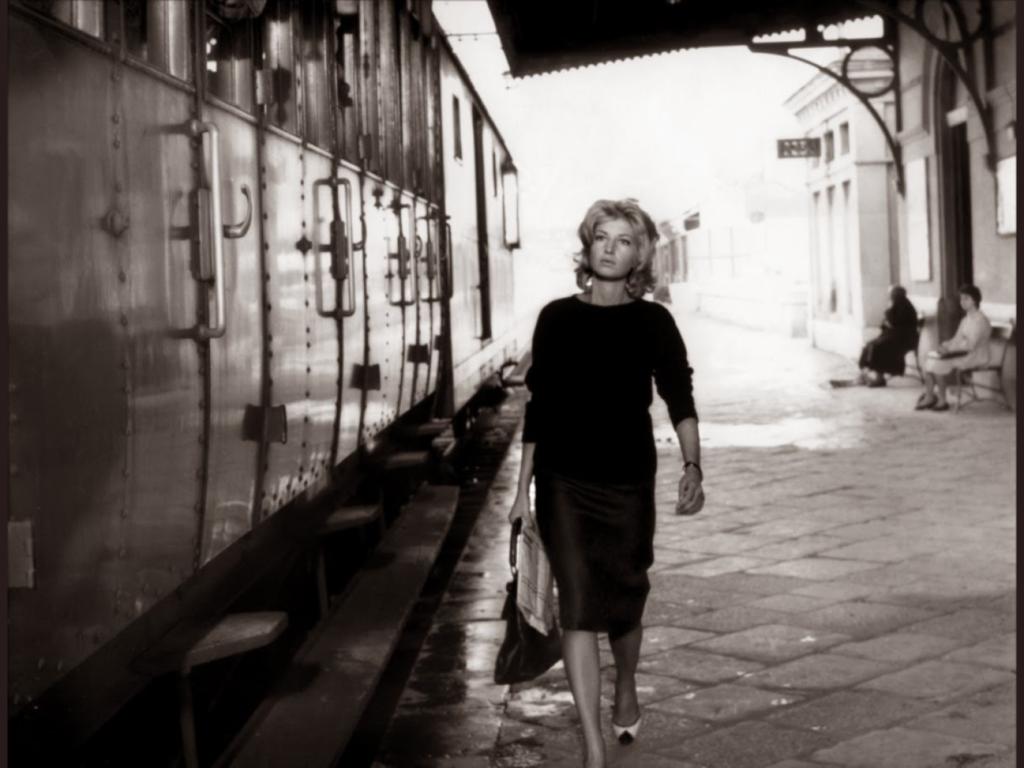 Monica Vitti dans L'avventura de Michelangelo Antonioni