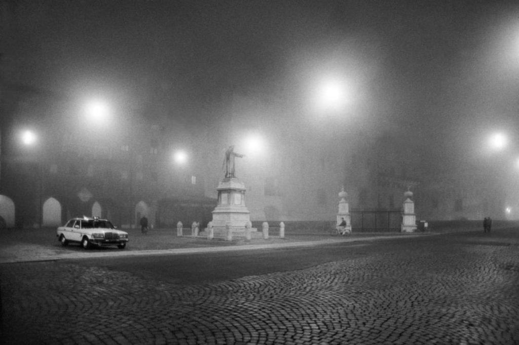 Ferrare, nuit brumeuse par Ferdinando Scianna